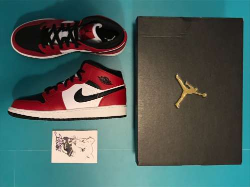 Jordan 1 mid chicago black toe gs
