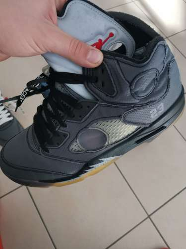 Vendo Jordan 5 off white cond:9/10